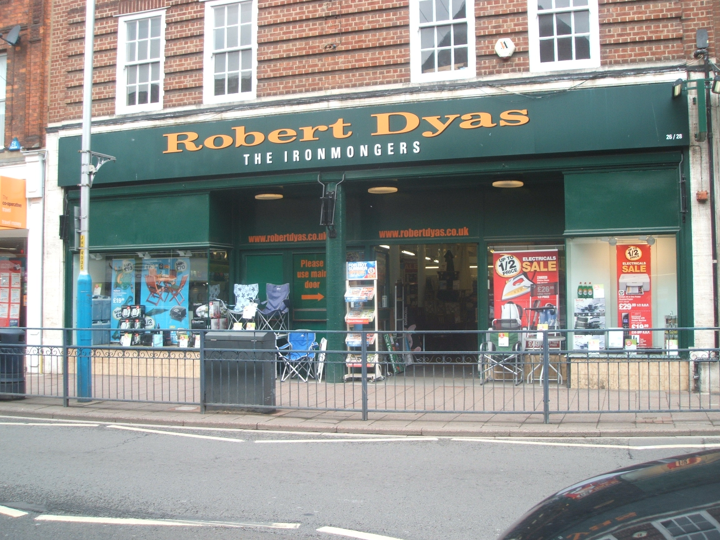 Robert Dyas at www.Tonbridgesearch.com